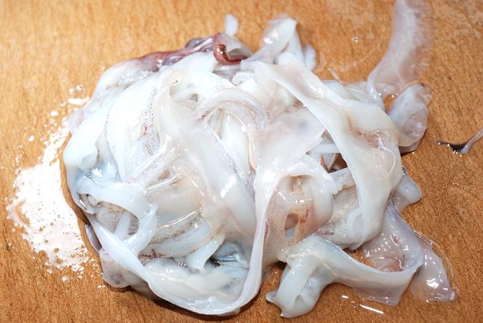 小さなコウイカを捌いて食べてみた 〜パスタと刺身で食べたよ〜_d0069838_09521614.jpg