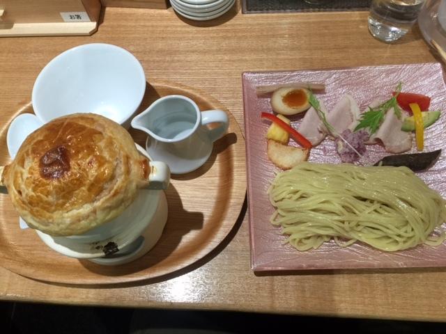 フレンチラーメン「くろす」のパイ包つけ麺はイマイチ_b0017844_14185549.jpg