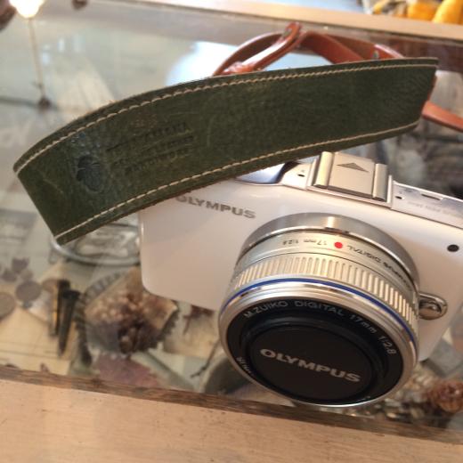 カメラストラップとかごバッグ_a0164280_15461133.jpg