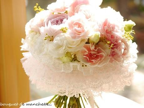 幸せ春色☆ひらひら優しいナチュラルステムのカフスブーケ♪_c0098807_21335456.jpg