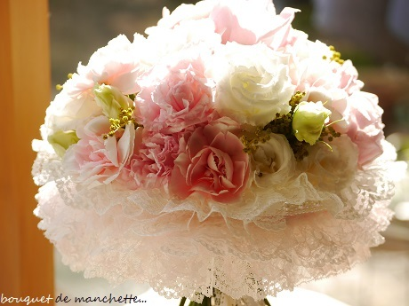 幸せ春色☆ひらひら優しいナチュラルステムのカフスブーケ♪_c0098807_21420813.jpg