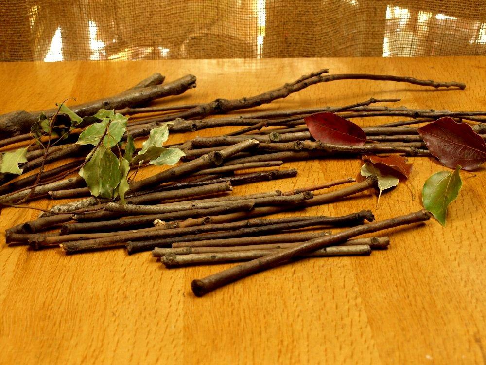 ☆レシピ・枝と毛糸で作る、ちっちゃな飾りホウキ☆_c0092953_10434425.jpg