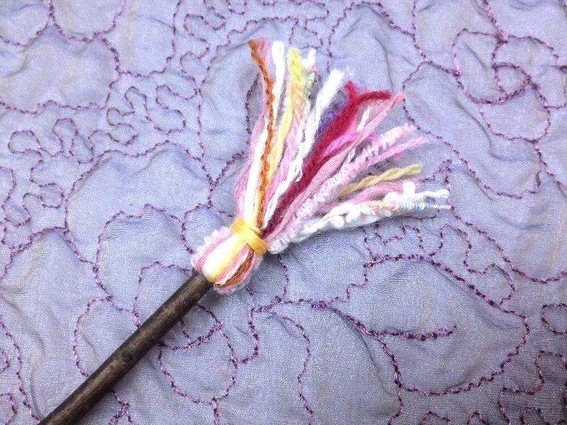 ☆レシピ・枝と毛糸で作る、ちっちゃな飾りホウキ☆_c0092953_11007.jpg