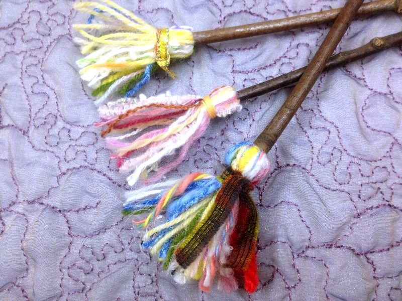 ☆レシピ・枝と毛糸で作る、ちっちゃな飾りホウキ☆_c0092953_110461.jpg