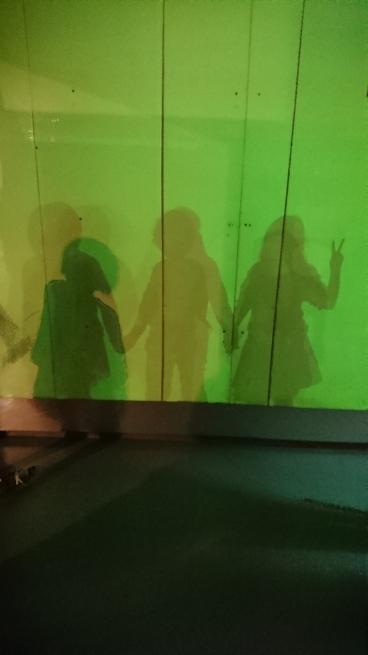 ビックバンで遊ぶ乙女3人組_e0353657_16411286.jpg