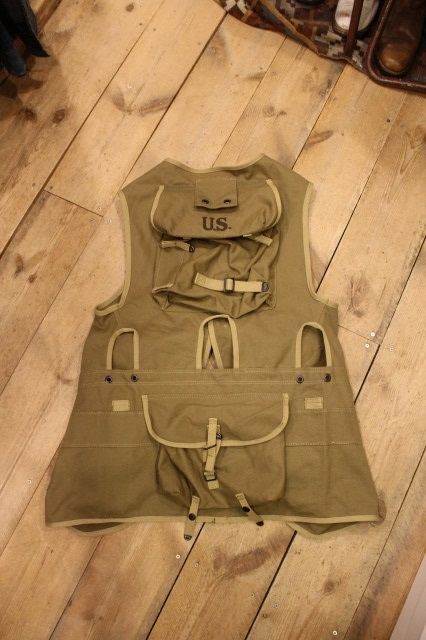 D DAY ASSAULT VEST_d0121303_21143216.jpg