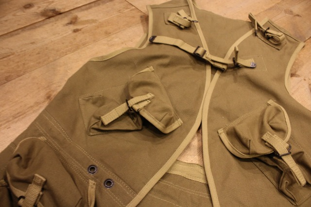 D DAY ASSAULT VEST_d0121303_21165714.jpg