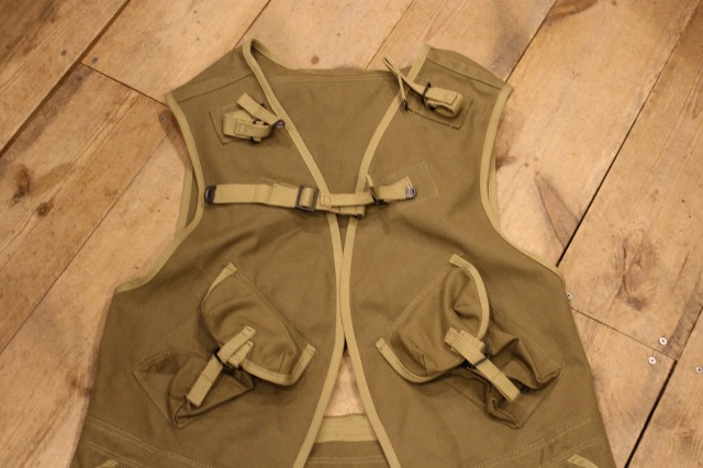 D DAY ASSAULT VEST_d0121303_2117749.jpg