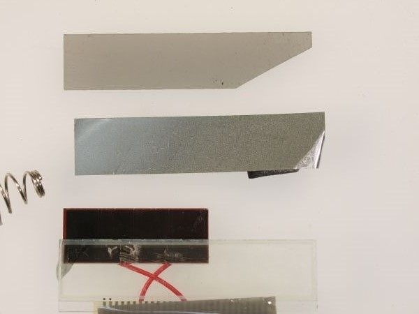 電卓の液晶ディスプレイから偏光板を外してみる(II)_c0164709_18334712.jpg