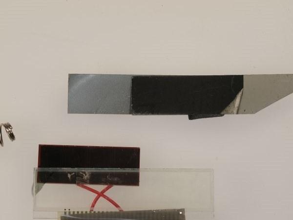 電卓の液晶ディスプレイから偏光板を外してみる(II)_c0164709_18334775.jpg
