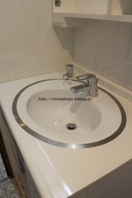 フラットな洗面台と水せっけん入れのススメ_e0343145_23430276.jpg