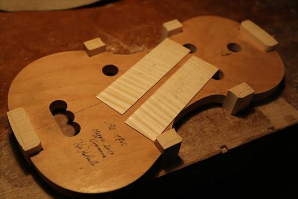 もう1台のヴァオリン、製作中です。_d0047461_250161.jpg