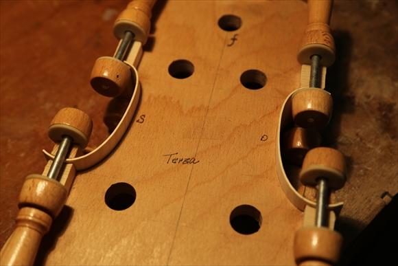 もう1台のヴァオリン、製作中です。_d0047461_251436.jpg