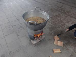 炊き出し訓練_a0154110_14463852.jpg