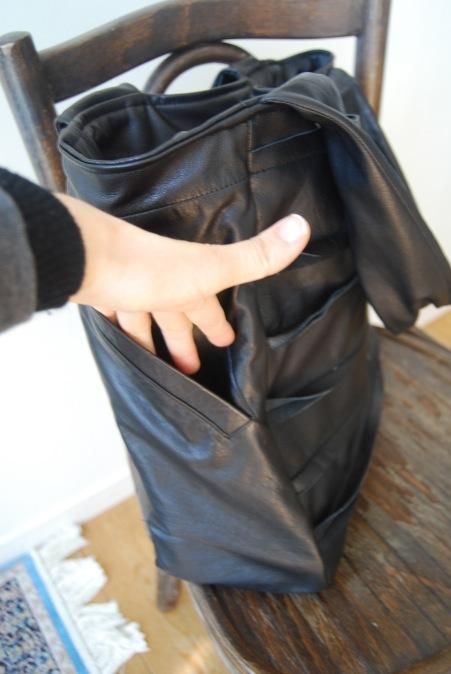革のコートからバッグへリメイク_d0127925_23240151.jpg