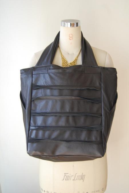 革のコートからバッグへリメイク_d0127925_23245147.jpg