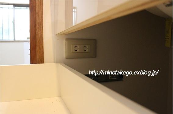 コンセントの位置だけで変化する洗面台の機能_e0343145_23060669.jpg