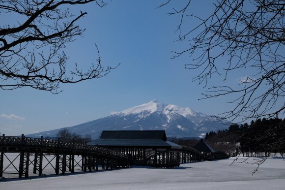 鶴の舞橋から見る岩木山2題_e0220159_01453902.jpg