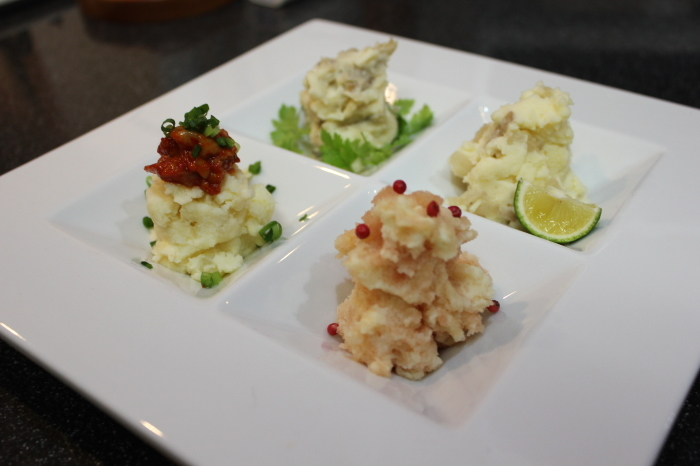 ソーセージのピクルスマスタードソース添えと、春野菜のクリーム煮_a0223786_14211109.jpg
