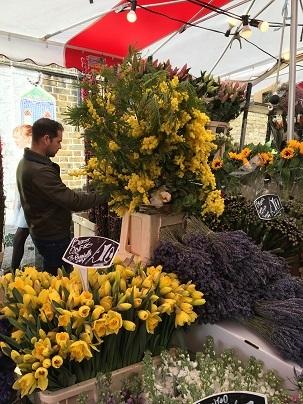春のお花を探しにColumbia Road flower marketへ_f0238789_20083039.jpg