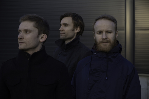 Erlend Apneseth Trio リリース・アルバムと来日ツアー_e0081206_1084395.jpg