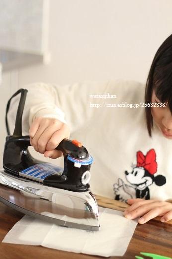 娘の部屋にレース糸のオーナメントを飾る_e0214646_21435885.jpg