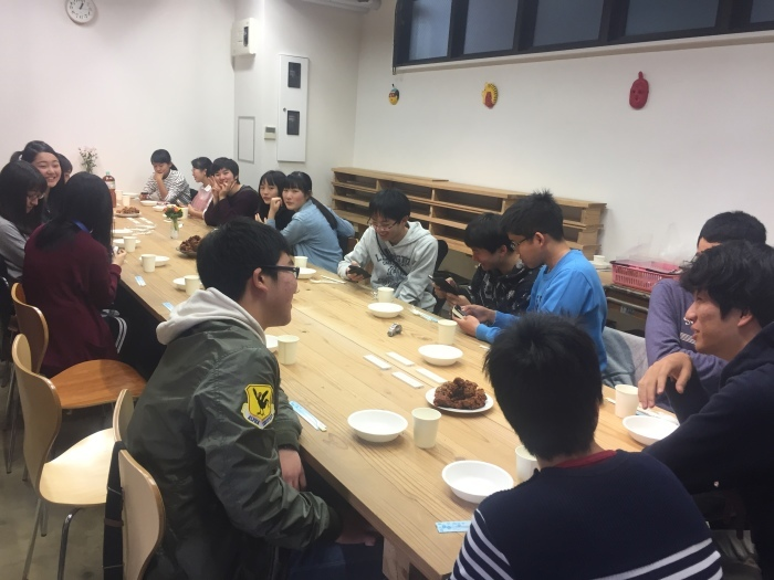 中学コース、高校コースの送別会が開かれました。_d0116009_14150880.jpg