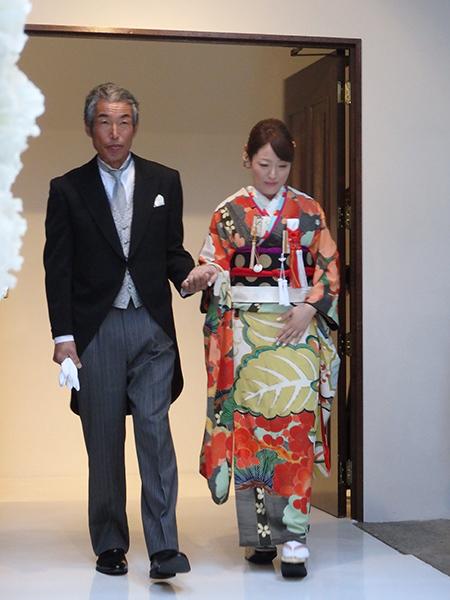極上ビンテージ振袖にタキシードがオシャレ☆素敵なご婚礼のお客様_b0098077_16545507.jpg