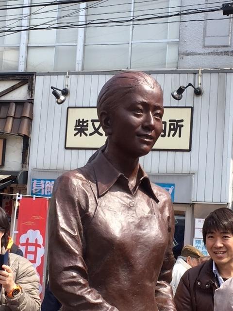 3月26日(日)見送るさくら像と倍賞千恵子さん_d0278912_10522701.jpg