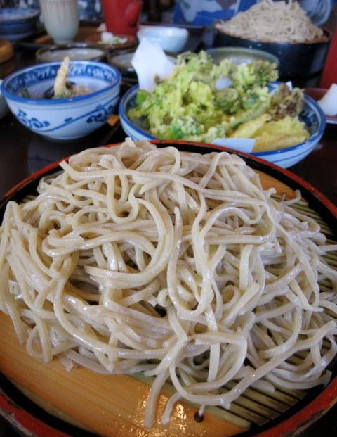 追分そば茶家 * 山菜天ぷら盛り合わせがすごかった~♪_f0236260_22051059.jpg
