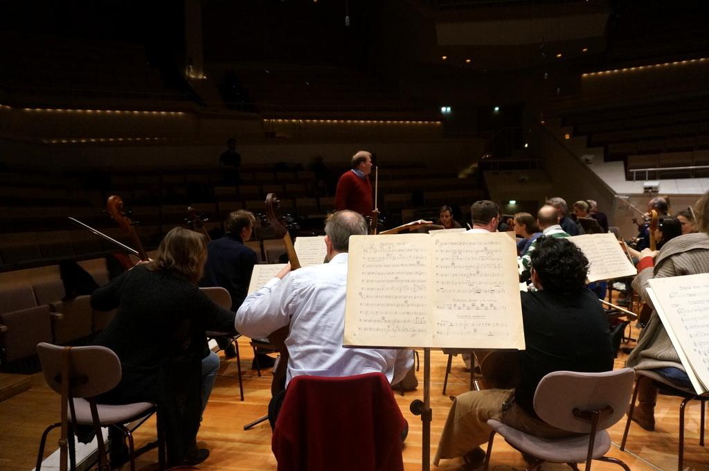 フィルハーモニーの室内楽ホールはやはり素晴らしい!_c0180686_23415082.jpg