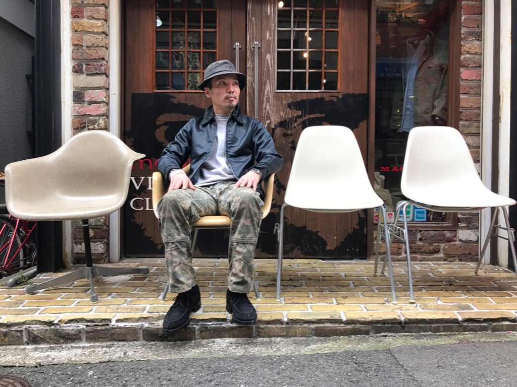 神戸店3/29(水)イームズチェア&インダストリアル ランプ、家具入荷! #1 Eams ArmShell Chair!!!_c0078587_20062383.jpg