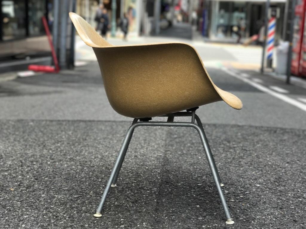 神戸店3/29(水)イームズチェア&インダストリアル ランプ、家具入荷! #1 Eams ArmShell Chair!!!_c0078587_20064638.jpg