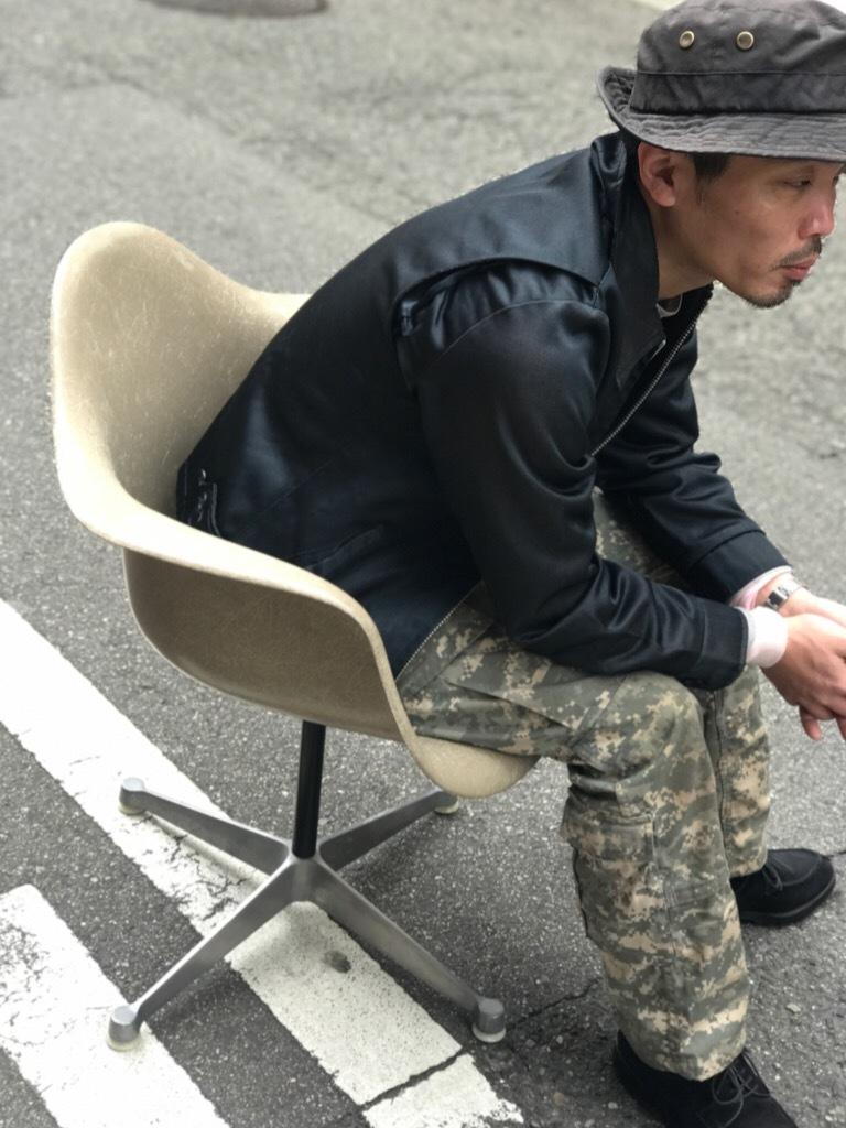 神戸店3/29(水)イームズチェア&インダストリアル ランプ、家具入荷! #1 Eams ArmShell Chair!!!_c0078587_20153868.jpg