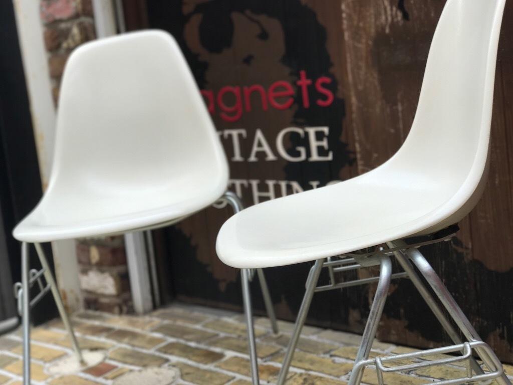 神戸店3/29(水)イームズチェア&インダストリアル ランプ、家具入荷! #1 Eams ArmShell Chair!!!_c0078587_20163006.jpg