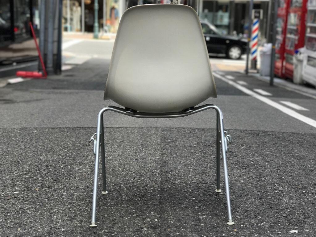 神戸店3/29(水)イームズチェア&インダストリアル ランプ、家具入荷! #1 Eams ArmShell Chair!!!_c0078587_20164322.jpg
