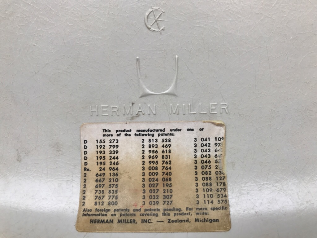 神戸店3/29(水)イームズチェア&インダストリアル ランプ、家具入荷! #1 Eams ArmShell Chair!!!_c0078587_20171427.jpg