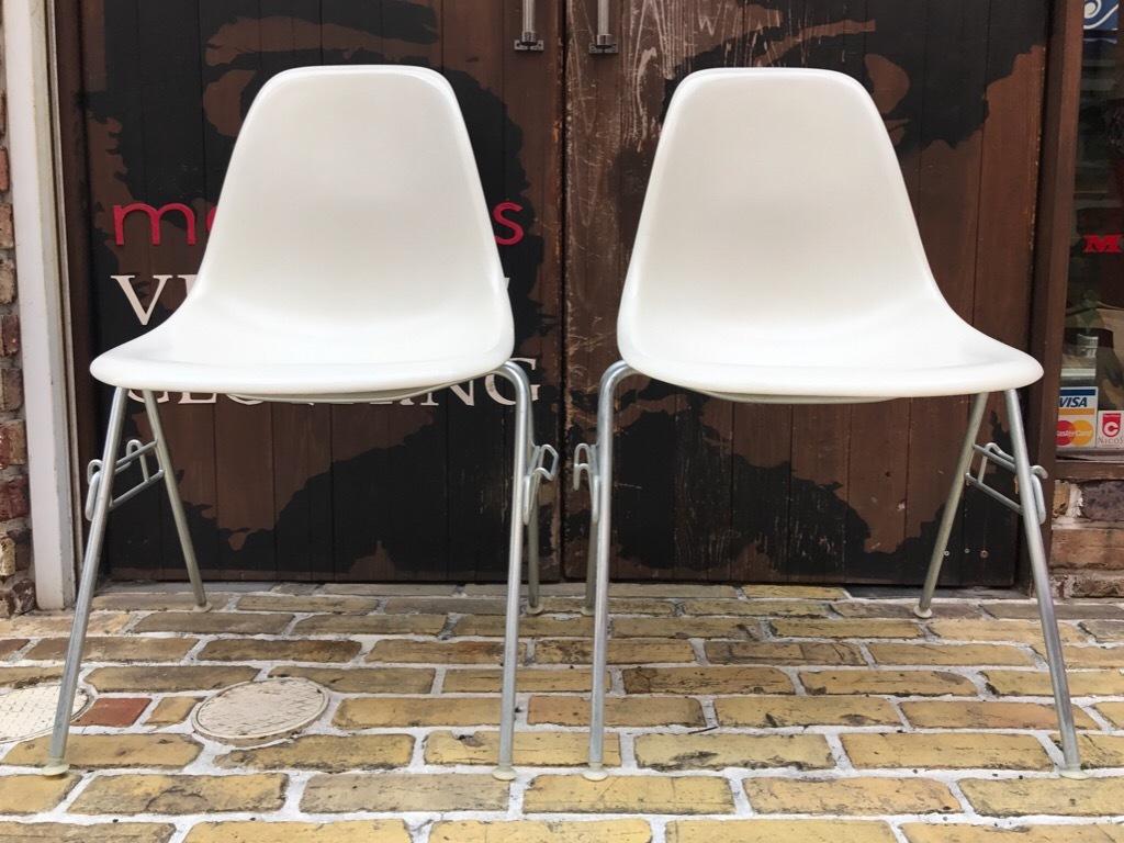 神戸店3/29(水)イームズチェア&インダストリアル ランプ、家具入荷! #1 Eams ArmShell Chair!!!_c0078587_20173562.jpg