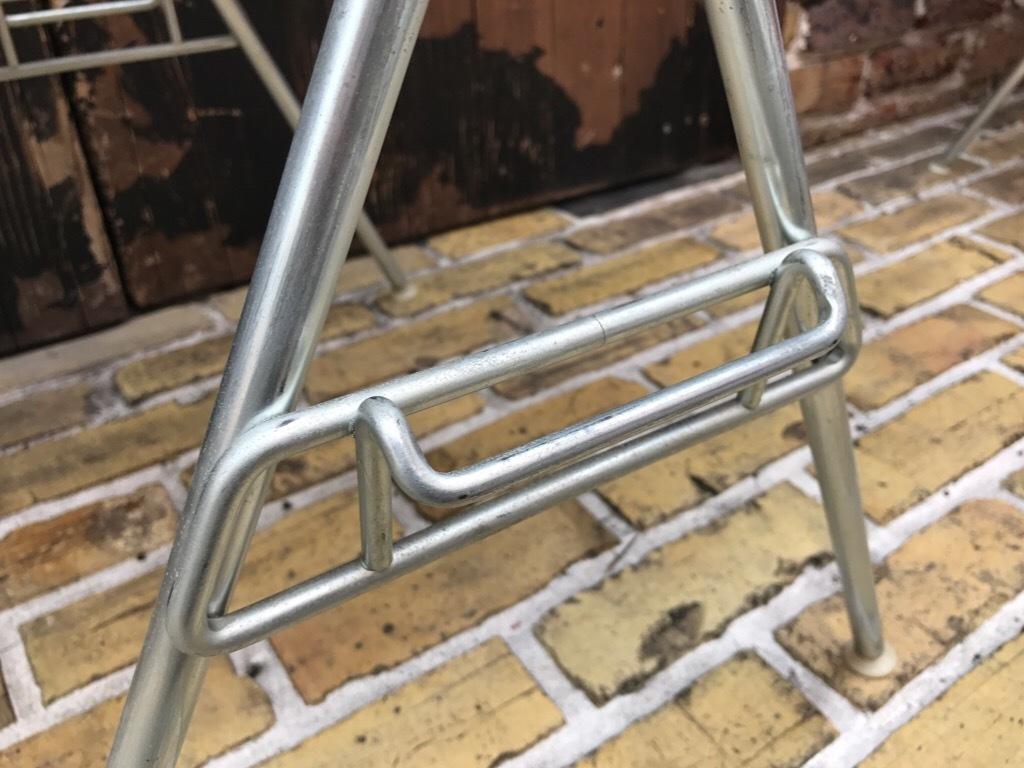 神戸店3/29(水)イームズチェア&インダストリアル ランプ、家具入荷! #1 Eams ArmShell Chair!!!_c0078587_20205702.jpg