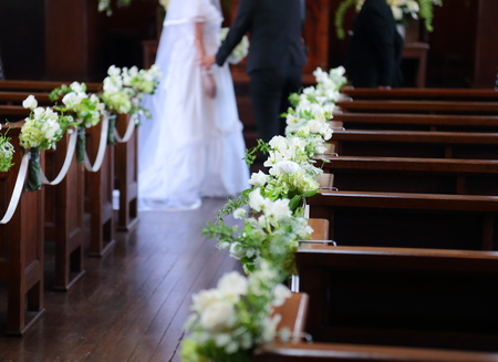 挙式装花 高輪教会様へ、早春の花 ラナンキュラスとフリージアと豆の花_a0042928_1419485.jpg