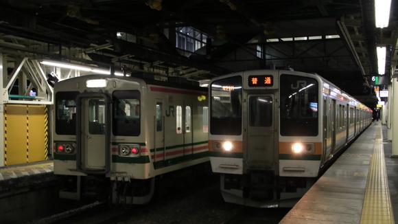 JR高崎駅 107系_d0202264_4351476.jpg