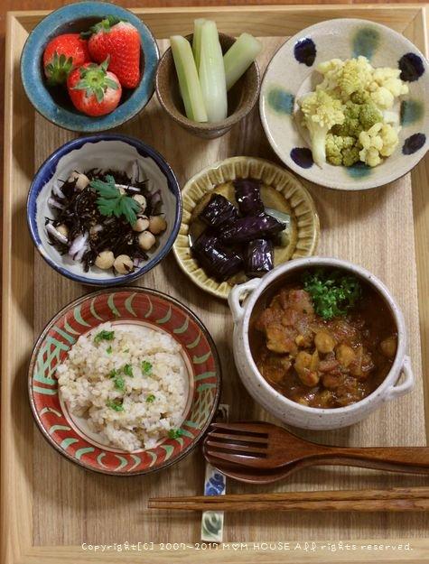 鮭と舞茸のエスカベッシュ ✿ チキンとひよこ豆のスパイシーカレー(๑¯﹃¯๑)♪_c0139375_11132463.jpg