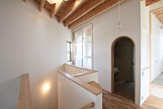 梁材あらわしがリズミカルな箕面の家ー pure + simple.design_d0111714_21595714.jpg