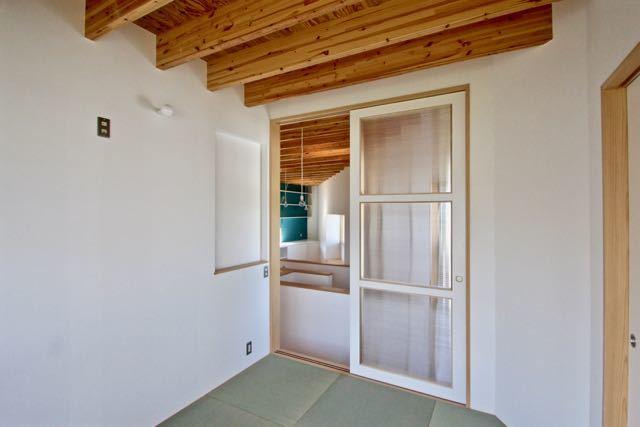 梁材あらわしがリズミカルな箕面の家ー pure + simple.design_d0111714_22000704.jpg