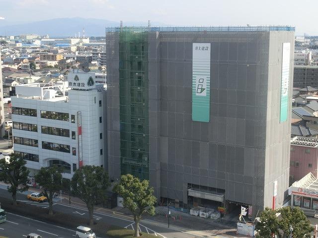 市役所南側に建設中のホテルが、ずいぶん形になってきました_f0141310_07475914.jpg