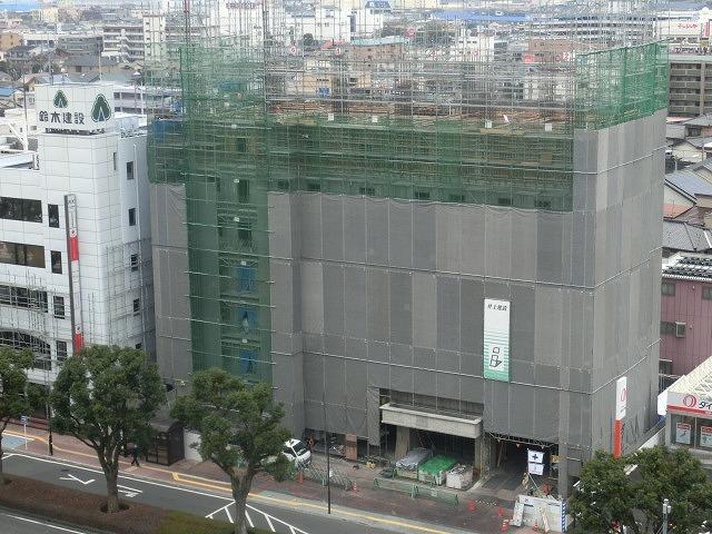 市役所南側に建設中のホテルが、ずいぶん形になってきました_f0141310_07484044.jpg
