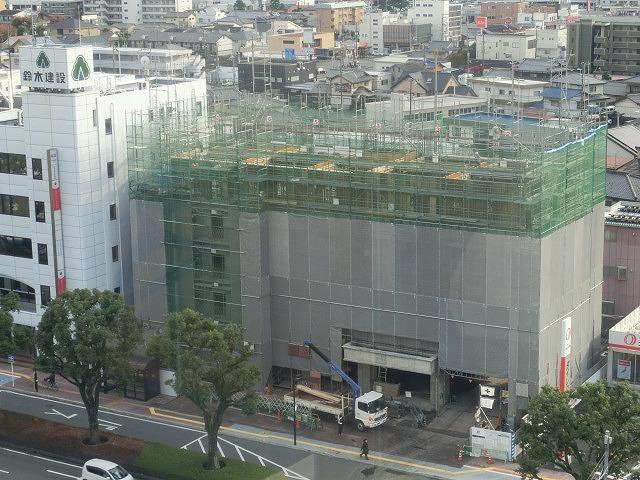 市役所南側に建設中のホテルが、ずいぶん形になってきました_f0141310_07492021.jpg