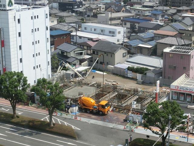 市役所南側に建設中のホテルが、ずいぶん形になってきました_f0141310_07512446.jpg