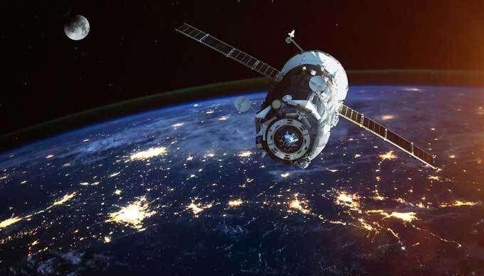 【ガチ】NASAの宇宙映像に「明らかに操縦者がいる妙な動きの物体」が_b0064113_845501.jpg