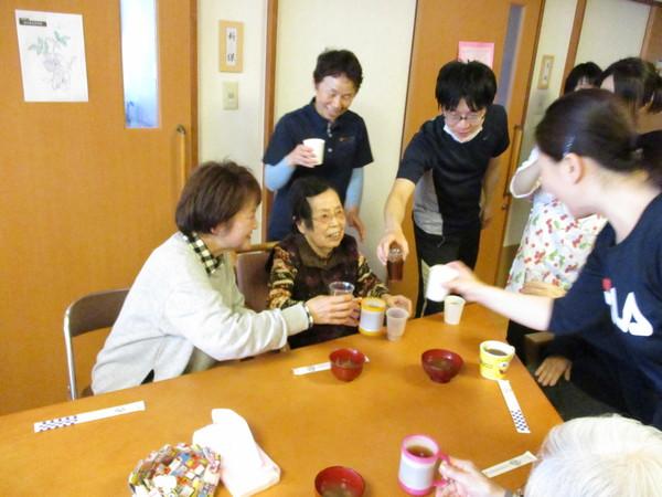 プラザのお花見会_a0166025_0333363.jpg